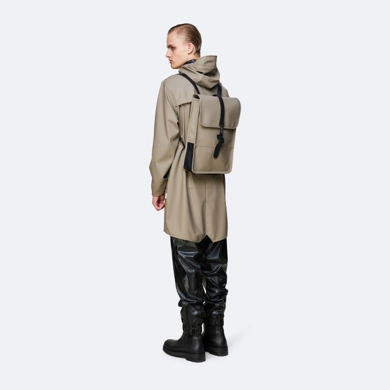 Rucksack Backpack Mini, Farbe: schwarz, anthrazit, grau, blau/petrol, taupe/khaki, grün/oliv, rosa/pink, gelb, beige, weiß, Marke: Rains, Abmessungen in cm: 27.0x39.0x8.0, Bild 4 von 5