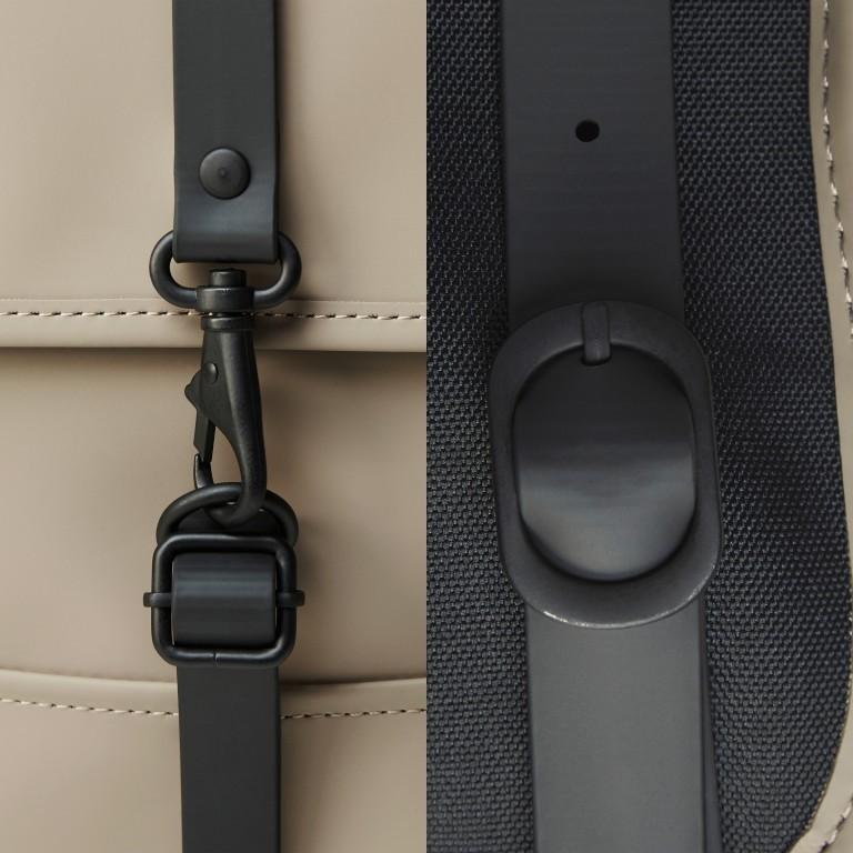 Rucksack Backpack Micro, Farbe: schwarz, blau/petrol, taupe/khaki, beige, Marke: Rains, Abmessungen in cm: 27.0x33.0x7.0, Bild 5 von 5