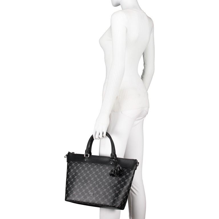 Handtasche Cortina Thoosa LHZ, Farbe: schwarz, anthrazit, grau, blau/petrol, braun, cognac, taupe/khaki, grün/oliv, rot/weinrot, beige, weiß, Marke: Joop!, Abmessungen in cm: 41.0x27.0x13.5, Bild 4 von 9