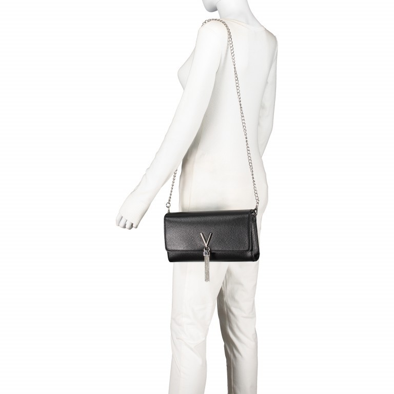 Umhängetasche Divina Nero, Farbe: schwarz, Marke: Valentino Bags, EAN: 8052790167236, Abmessungen in cm: 27.0x16.0x6.0, Bild 4 von 6