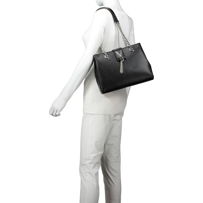 Tasche Divina Nero, Farbe: schwarz, Marke: Valentino Bags, EAN: 8052790167557, Abmessungen in cm: 30.0x23.0x10.0, Bild 5 von 6