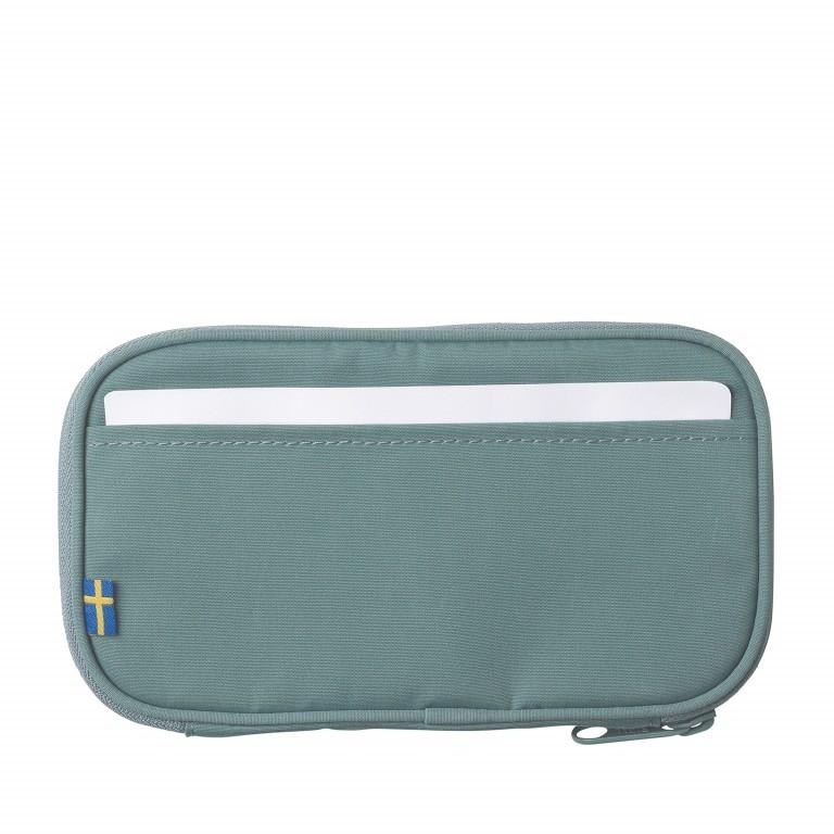 Geldbörse Kånken Travel Wallet Frost Green, Farbe: grün/oliv, Marke: Fjällräven, EAN: 7323450464066, Abmessungen in cm: 20.0x12.0x3.0, Bild 3 von 3