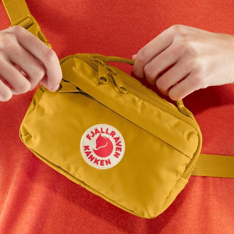 Gürteltasche Kånken Hip Pack, Farbe: schwarz, anthrazit, grau, blau/petrol, grün/oliv, flieder/lila, rosa/pink, orange, gelb, beige, Marke: Fjällräven, Abmessungen in cm: 18.0x12.0x9.0, Bild 6 von 10