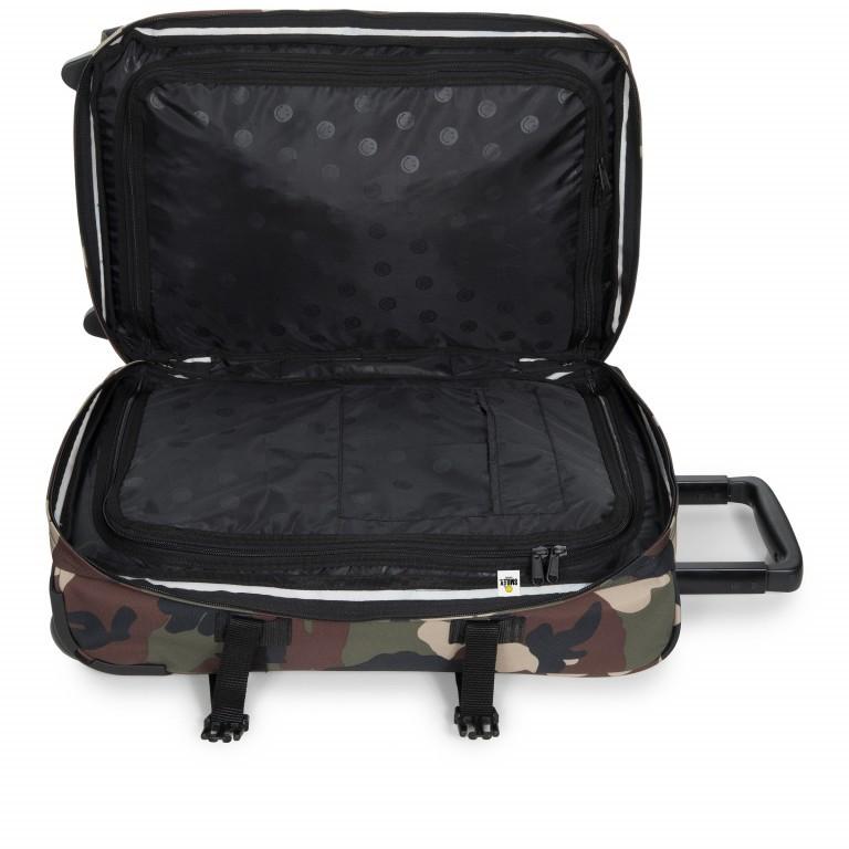 Reisetasche Tranverz S Smiley Camo, Farbe: grün/oliv, Marke: Eastpak, EAN: 5400879215546, Abmessungen in cm: 32.5x51.0x23.0, Bild 5 von 9