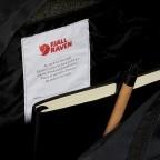 Rucksack Kånken, Farbe: schwarz, anthrazit, grau, blau/petrol, braun, cognac, taupe/khaki, grün/oliv, rot/weinrot, flieder/lila, rosa/pink, orange, gelb, beige, Marke: Fjällräven, Abmessungen in cm: 27.0x38.0x13.0, Bild 8 von 15